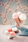 Ice cream cones in cup — Stock Photo