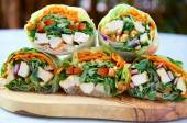 Healthy fast food, fresh vegetable rice paper rolls  — Stock Photo