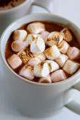 Hot chocolate with marshmallows close up — Stock Photo