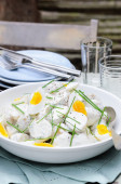 Potato salad with egg and chives  — Stock Photo