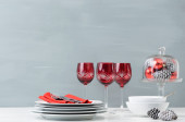 Red christmas table decoration — Stock Photo