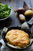 Pie with golden flaky puffy crust — Stock Photo