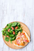 Pizza with salad dinner — Stock Photo