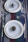 Simple holiday table setting — Stock Photo