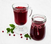 Glasses of mulled wine with  cranberries — Stock Photo