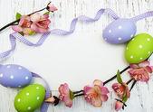 Fondo de pascua con huevos de pascua — Foto de Stock