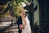 Wedding day beautiful couple — Stock Photo