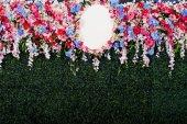 婚礼现场的美丽的花朵背景 — 图库照片