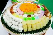Thai sweets, or Khanom Thai,have unique, colorful appearance and distinct flavors. The art of Thai desserts have been passed down through the generations — Stock Photo