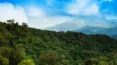 Rainbows at Viewpoint Doi Inthanon. — Stock Photo