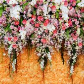 Beautiful flowers background for wedding scene — Stock Photo