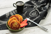 Breakfast with cottage cheese pancakes, strawberry jam and coffe — Stock Photo