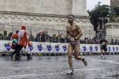 Coureur de marathon en maillot de bain — Photo