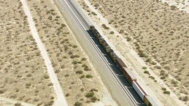 Train in Mojave Desert — Stock Video