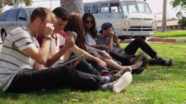 People on road trip — Stock Video
