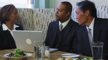 People having meeting in restaurant — Stock Video