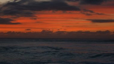 Pacific ocean rippling at dusk — Stock Video