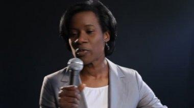 Female motivational speaker — Stock Video
