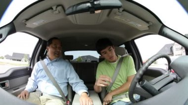 Father instructing teen — Stock Video