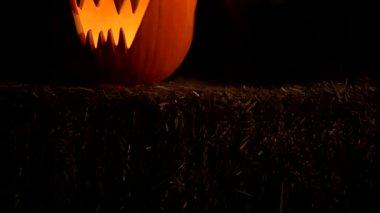Scary jack o lantern — Stock Video