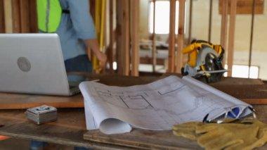 Dům plány a nástroje — Stock video