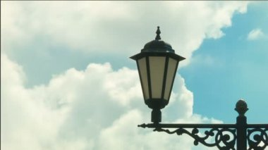 Magic lantern against the flying clouds, timelapse — Stock Video