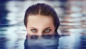 Eyes above the water — Stock Photo