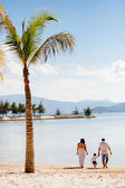 Family vacation beach — Stock Photo