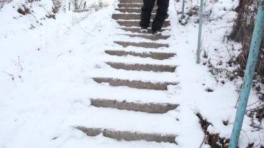 Man walking down the broken stairs — Stock Video