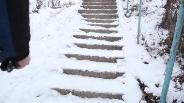 Man walking up the broken stairs — Stock Video