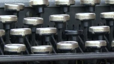 Work old typewriter — Stock Video