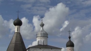 Church cross clouds — Vidéo