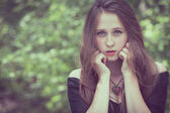 Terk edilmiş bir eski güzel genç üzücü goth kız portresi — Stok fotoğraf