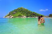 Iisland Koh Nang Yuan, Thailand. Couple. — Stock Photo
