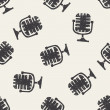 Doodle microphone seamless pattern background — Stock Vector #75434081