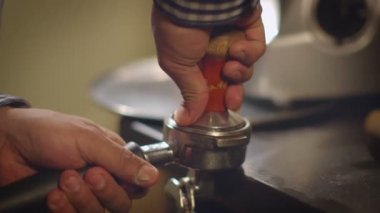 Tamping Fresh Ground Coffee. — Stock Video