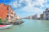 Grand Canal in Venice, lined by lavish Venetian buildings — Stock Photo