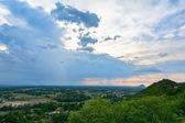 Akşam ile bulutlar kırsal Tayland ışık. — Stok fotoğraf