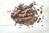 Chocolate, coffee, cinnamon, hazelnut, star anise — Стоковое фото