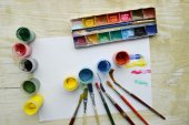Painting, paint, brushes for painting, landscape paper, creativity on the wooden background — Stok fotoğraf