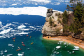 Kayaks & Ice Floes at Miners Castle - Pictured Rocks National La — Stock Photo