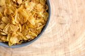 Graue Schale golden Cornflakes — Stockfoto