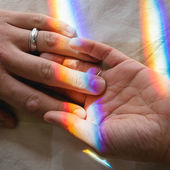 Lado a lado com o rainbow como um vínculo — Fotografia Stock
