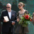 Постер, плакат: Celine Dion with husband Rene Agelil