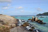 Rock coastline in Seychelles — Zdjęcie stockowe
