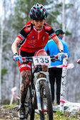 山地自行车-自行车上的女人 — 图库照片