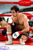 Mixed martial arts vechter in de hoek van de ring — Stockfoto
