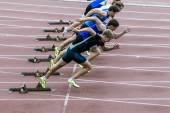 Atletizm içinde sıçramak başlamak — Stok fotoğraf