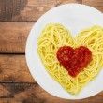 Spaghetti, Pasta, Heart Shape. — Stock Photo #73949367