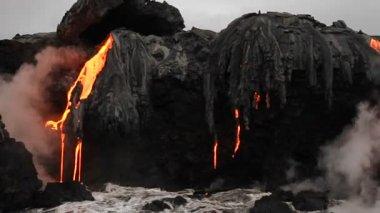 Lava flow into ocean — Stock Video
